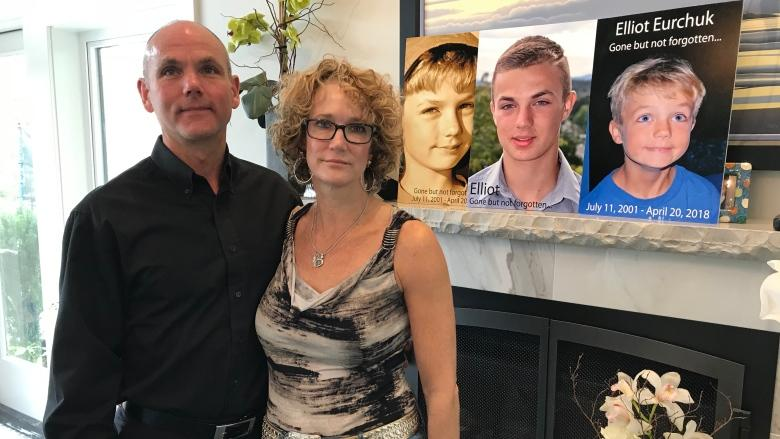 Parents of Victoria teen who died of overdose renew calls for coroner's inquest