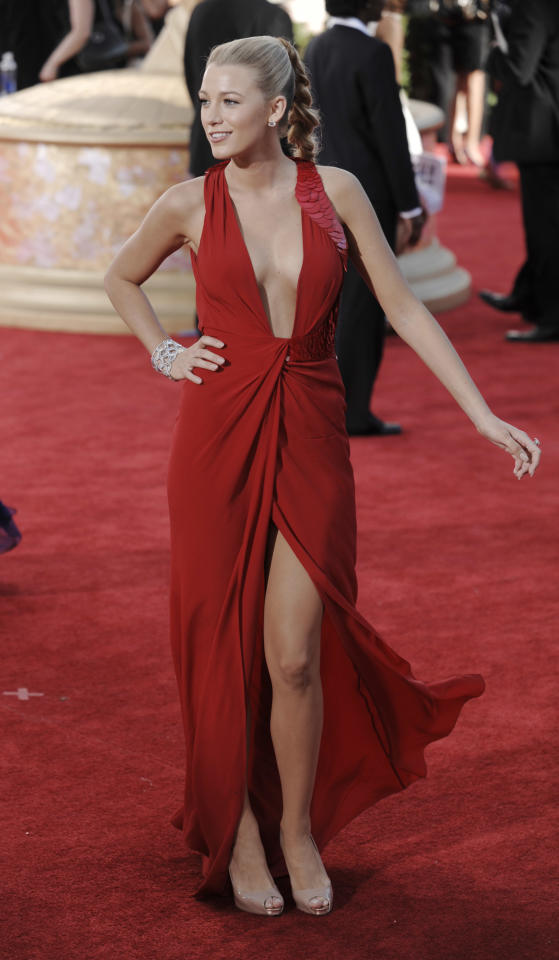 Actress Blake Lively arrives at the 61st Primetime Emmy Awards on Sunday, Sept. 20, 2009, in Los Angeles. (AP Photo/Chris Pizzello)
