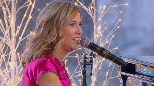 PHOTO: Sheryl Crow appears on 'Good Morning America' to perform a new song dedicated to the people at Sandy Hook Promise, Dec. 11, 2017. (ABC News)