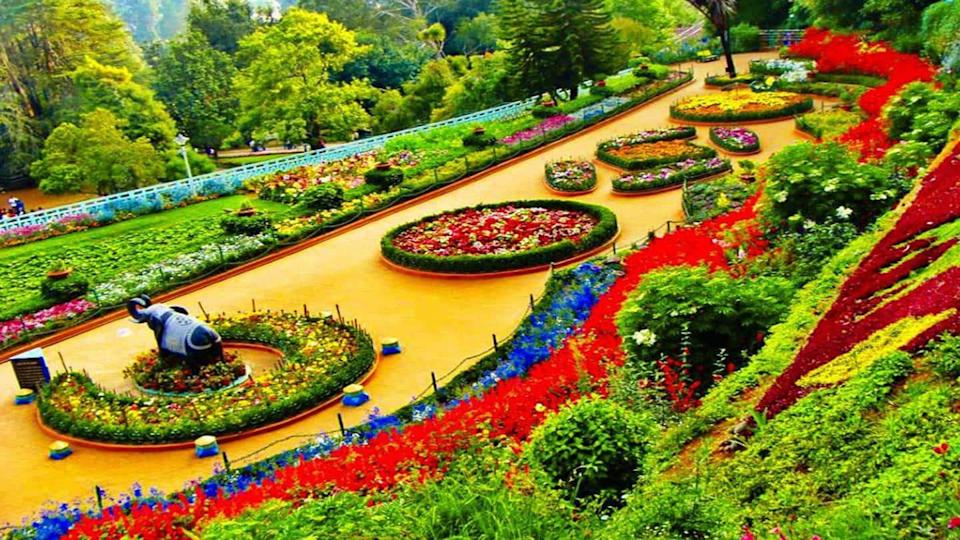 What are the most famous gardens in the country?