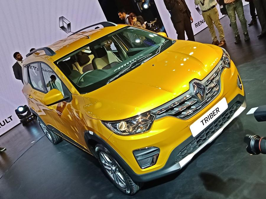 The Triber has a ground clearance of 182 mm and this seven seater also has a robust suspension which makes it a good option for the price. Starts from Rs 4.9 lakh.