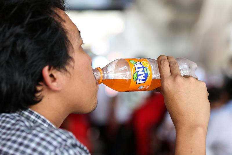 Malaysia is considering a tax on soft drinks, but it may not be enough to push Malaysians to reduce their unhealthy sugar consumption. — Picture by Azneal Ishak