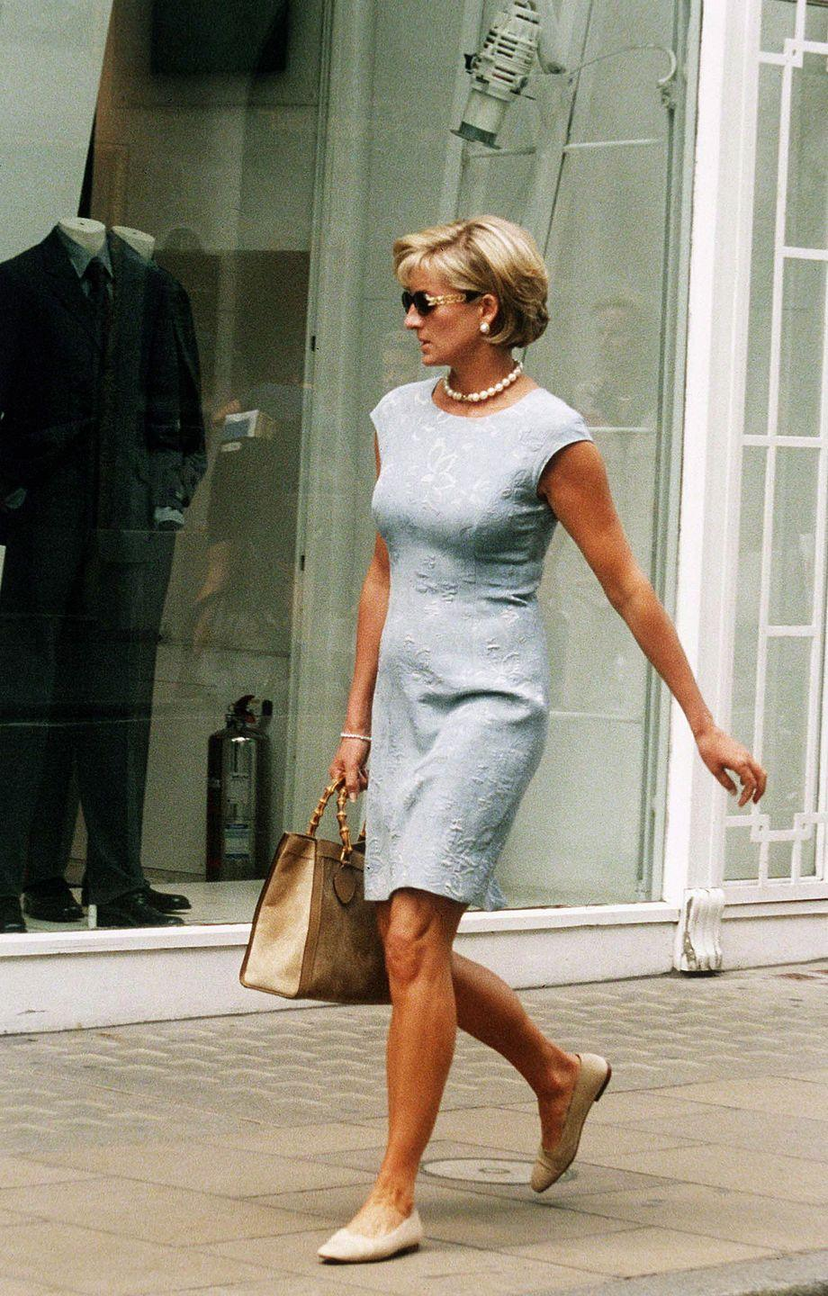 <p>An off-duty Diana shops on Bond Street, London shortly before her untimely death.</p>