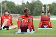 Bayern Munich's new recruit Kingsley Coman (C) attends a training session in Munich, southern Germany, on September 10, 2015 (AFP Photo/Andreas Gebert)