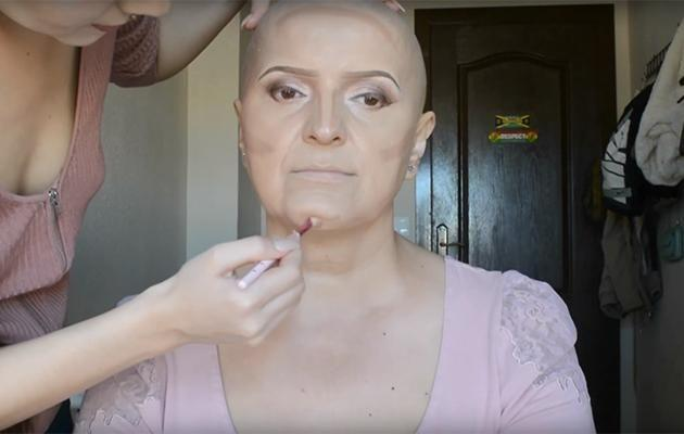 Nadina also contours her mum's face and highlights it. Photo: YouTube.