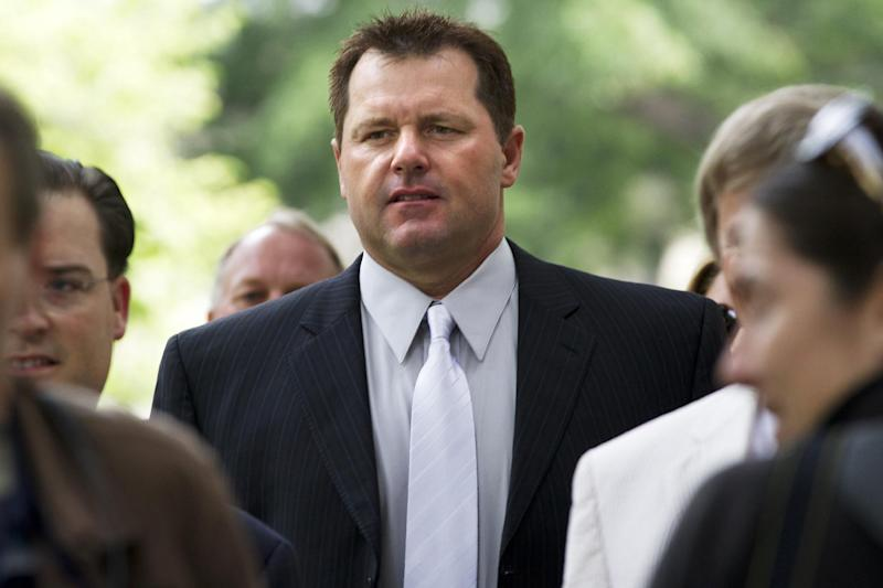 Former Major League baseball pitchers Roger Clemens arrives at federal court in Washington, Wednesday, May 16, 2012, for his perjury trial . (AP Photo/Jacquelyn Martin)