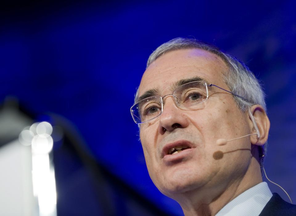 British economist and academic Lord Nicholas Stern, former chief economist and senior vice-president of the World Bank, speaks during the second edition of the Climate Forum in Thun, Switzerland, on 9 October 2008. Photo: Peter Schneider/AP/Keystone
