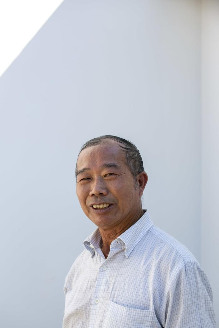 "Penjing specialist Che Zhao Sheng. <span class=""copyright"">(Josie Norris/Los Angeles Times)</span>"