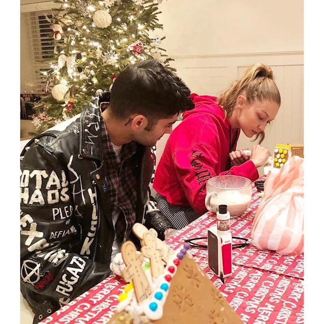 "<p><span>7. Zayn celebrated the holidays with the supermodel and her fam — and they made gingerbread houses. That's next-level sweetness. </span>(Photo: <a href=""https://www.instagram.com/p/BdHMTXfBiLc/?taken-by=yolanda.hadid"" rel=""nofollow noopener"" target=""_blank"" data-ylk=""slk:Yolanda Hadid via Instagram"" class=""link rapid-noclick-resp"">Yolanda Hadid via Instagram</a>) </p>"