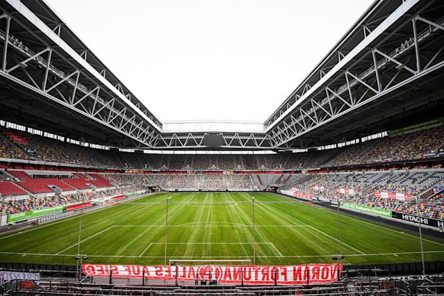 The first and second divisions of German Bundesliga football have been suspended till at least April 02.