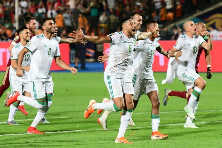 Algeria players celebrate their victory over Senegal in the Africa Cup of Nations final (AFP Photo/Giuseppe CACACE)