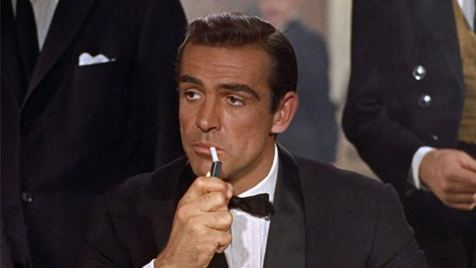 Sean Connery sebagai Bond (via www.007james.com)