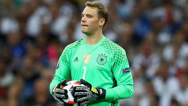 Kevin Trapp has replaced Manuel Neuer in the Germany squad as the Bayern Munich man has a calf problem.