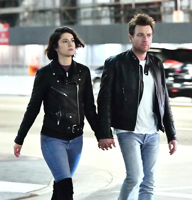 <em>Fargo</em> co-stars Ewan McGregor and Mary Elizabeth Winstead hold hands on the way into the Pantages Theatre on Nov. 8. (Photo: Mega Agency)