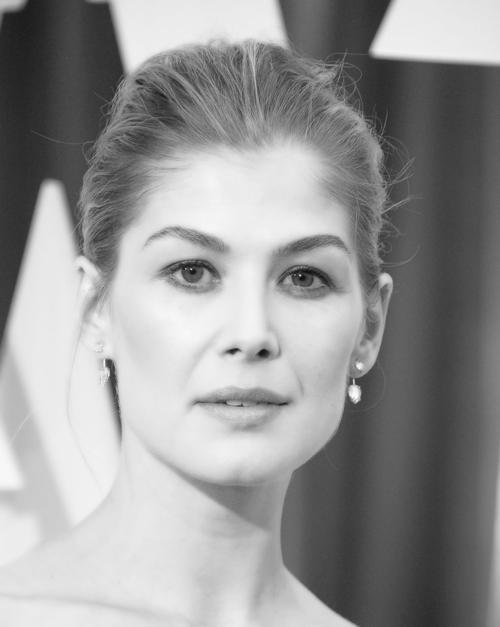 94bde4b5cc87 Rosamund Pike Doesn t Think Women Always Have to be Liked
