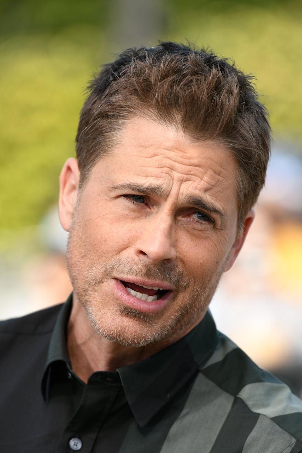 "UNIVERSAL CITY, CALIFORNIA - MARCH 26: Rob Lowe visits ""Extra"" at Universal Studios Hollywood on March 26, 2019 in Universal City, California. (Photo by Noel Vasquez/Getty Images)"
