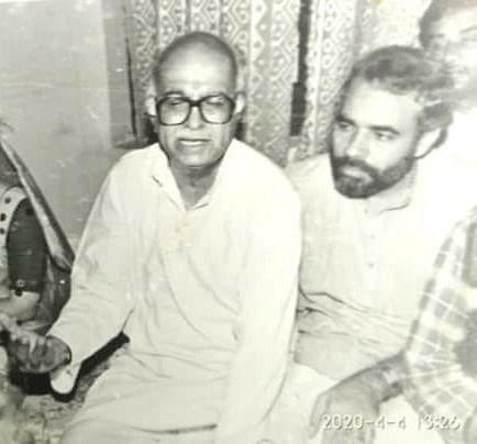 PM Narendra Modi and LK Advani in an old photograph.