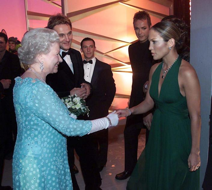 <p>Jennifer Lopez SLAYED in the emerald green chiffon gown she wore to meet Queen Elizabeth after performing at the Royal Variety Performance.</p>