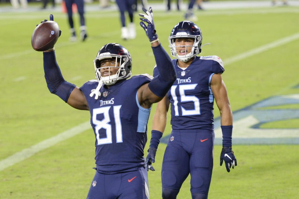 Tight end Jonnu Smith (81) and the Tennessee Titans are using blowback to their coronavirus protocol violations as motivation. (AP Photo/Mark Zaleski)