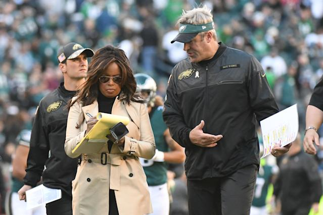 Pam Oliver interviews Eagles head coach Doug Pederson during a 2016 game. (Photo by Andy Lewis/Icon Sportswire via Getty Images)
