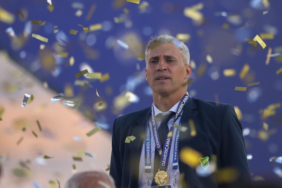 Argentina's Defensa y Justicia coach Hernan Crespo is seen on the podium after winning the Copa Sudamericana final football match by defeating Argentina's Lanus at Mario Alberto Kempes Stadium in Cordoba, Argentina on January 23, 2021. (Photo by Nicolas AGUILERA / POOL / AFP) (Photo by NICOLAS AGUILERA/POOL/AFP via Getty Images)