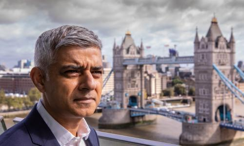 Sadiq Khan urges PM to ban household visits in London to tackle Covid