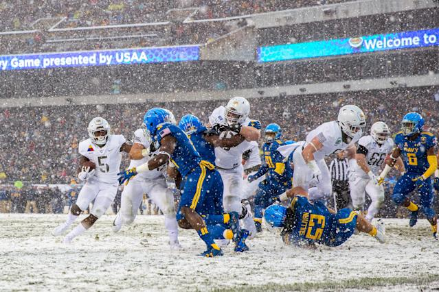 Army beat Navy 14-13 in the snow in 2017. (Getty)