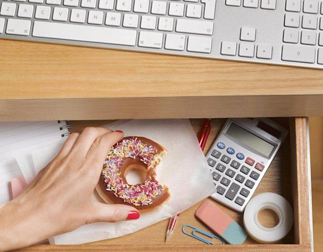 Your stressful job shouldn't have to ruin your healthy habits. (Photo: Getty Images)