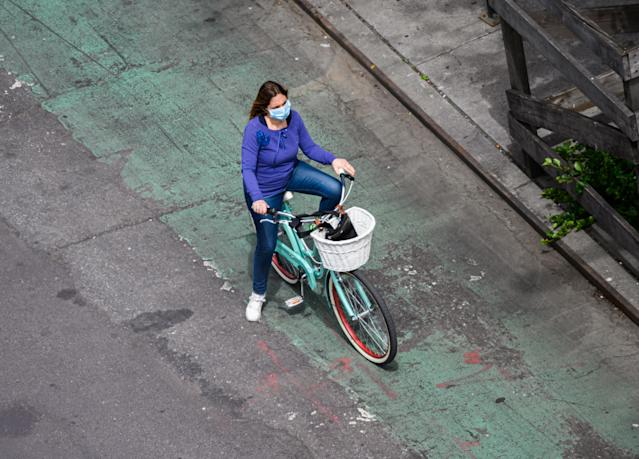 A woman wears a mask in New York. (Getty Images)