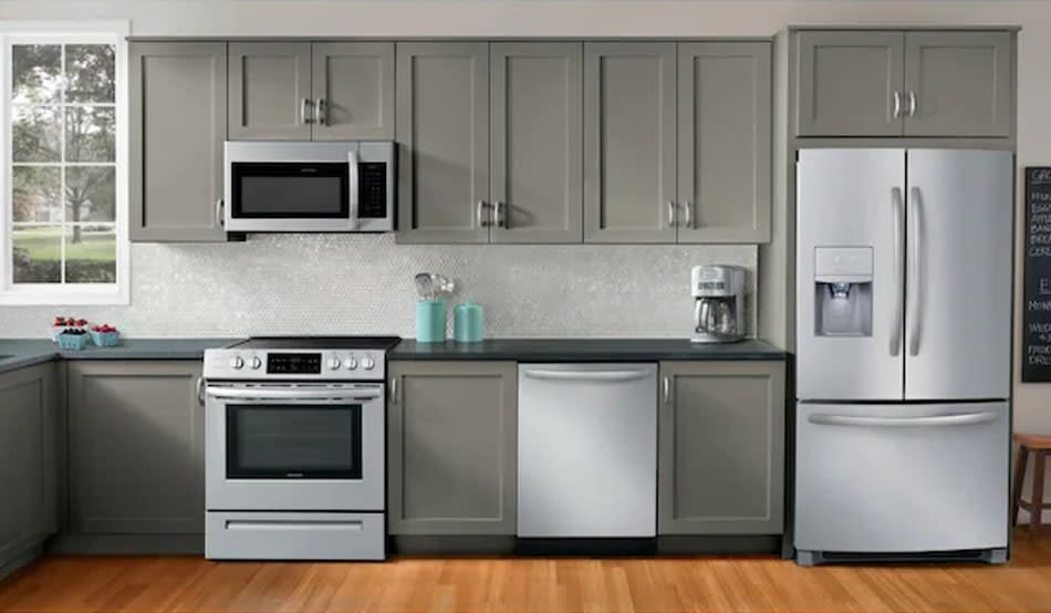 Itching for new appliances? Lowe's still has them on sale — Labor Day lives on! (Photo: Lowe's)