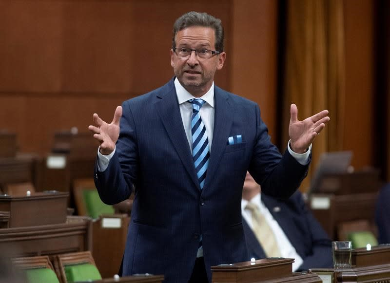 Bloc Quebecois leader and caucus isolating after staffer catches COVID-19