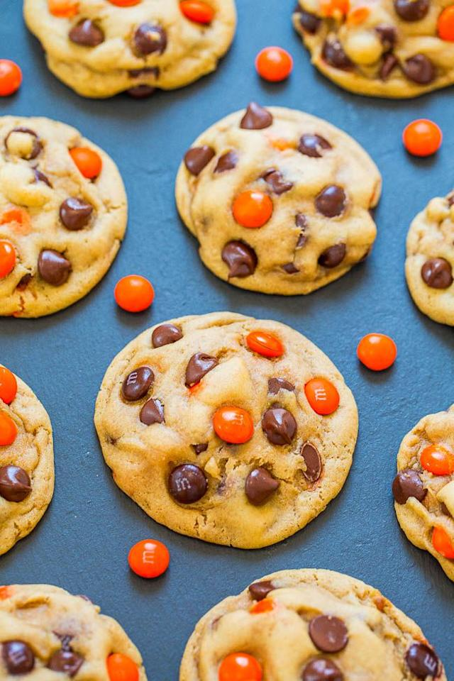 "<p>Simple, yet delicious  -  these Halloween M&M cookies are a treat everyone is guaranteed to enjoy. </p><p><strong>Get the recipe at <a rel=""nofollow"" href=""https://www.averiecooks.com/halloween-mm-chocolate-chip-cookies/"">Averie Cooks. </a></strong></p>"
