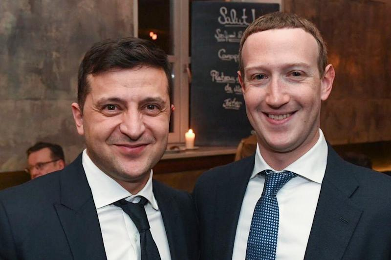 Facebook CEO Mark Zuckerberg (R) with Ukrainian President Volodymyr Zelensky (L) at the 56th Munich Security Conference in Munich, Germany, 15 February 2020: EPA