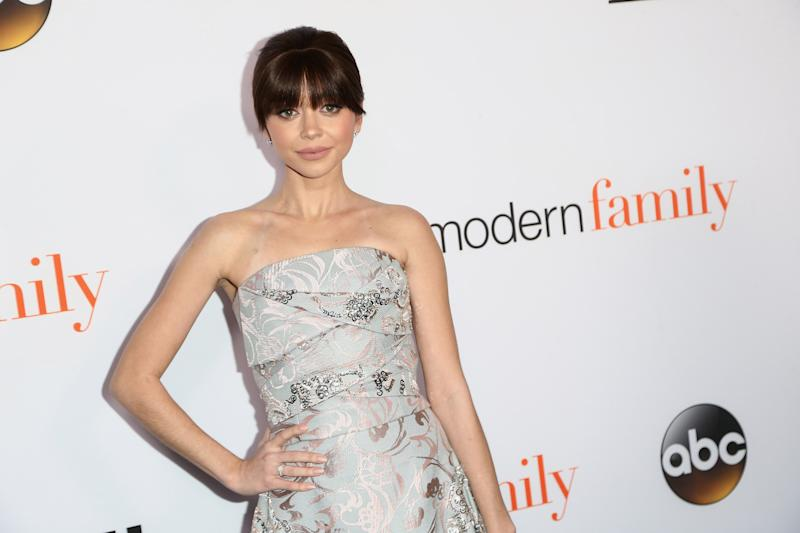 Sarah Hyland Shares 'Painful' Selfie After Being Hospitalized