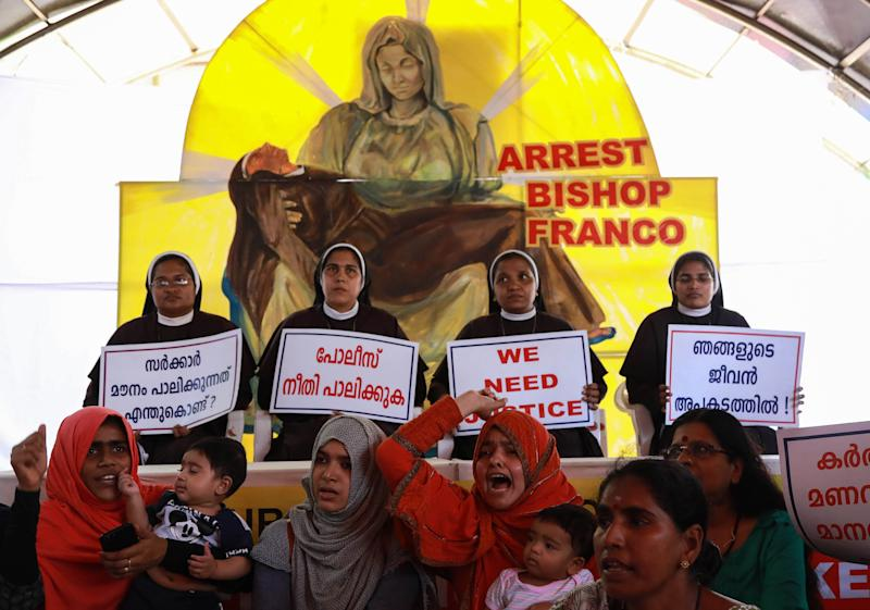 Christian nuns and supporters' protest demanding the arrest of Bishop Franco Mulakkal, who is accused of raping a nun, outside the High Court in Kochi on September 13, 2018. (Photo: Getty Images)
