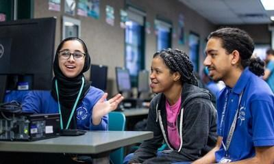 During the 2019-20 school year, TEALS students at Henry Ford Academy in Dearborn, Mich., participated in collaborative learning environments taught by instructors and volunteers like Brandy Foster.