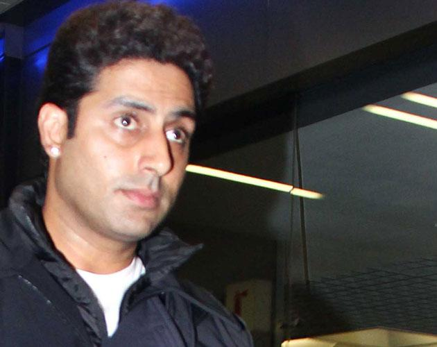 Abhishek who was abroad shooting has returned home for his dad special day