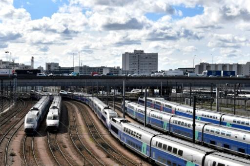 Senators passed the rail reform a day after lawmakers in the National Assembly approved the bill