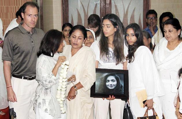 Aamir, Deepika at Jiah's prayer meeting