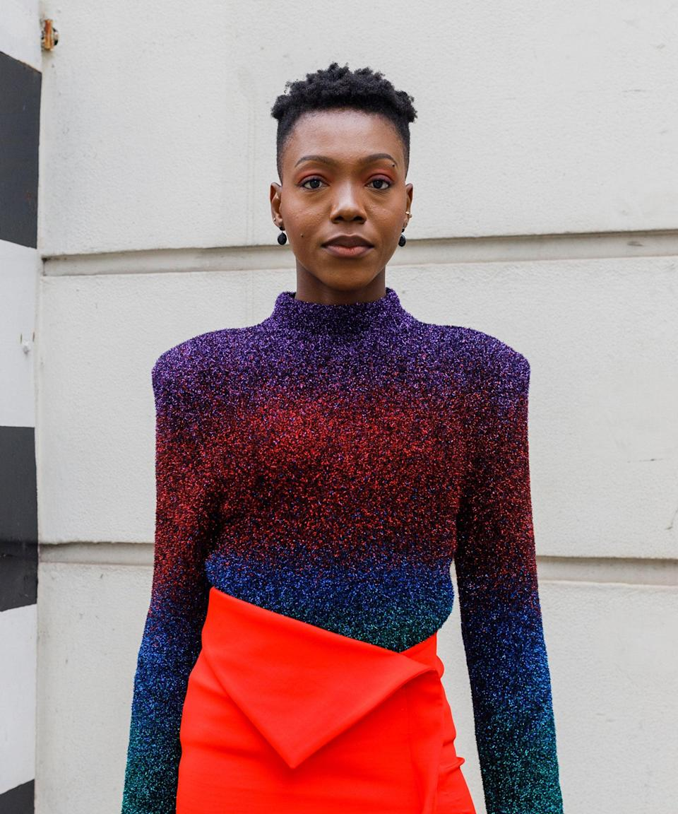 """Short, sharp shapes are trending. Here's even more <a href=""""https://www.refinery29.com/en-gb/haircut-trends-late-summer-2021#slide-9"""" rel=""""nofollow noopener"""" target=""""_blank"""" data-ylk=""""slk:inspiration"""" class=""""link rapid-noclick-resp"""">inspiration</a>.<span class=""""copyright"""">Photo by Tristan Fewings/Getty Images</span>"""