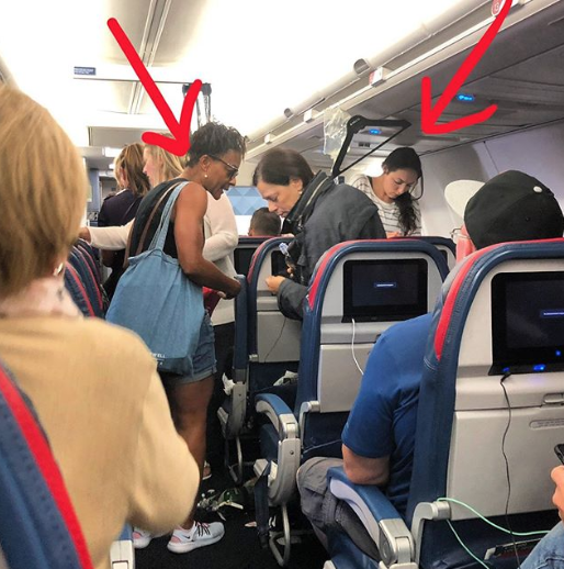 Former NFL player, in viral post, thanks nurses for saving man's life on Delta flight: 'Those 2 ladies were a blessing today'