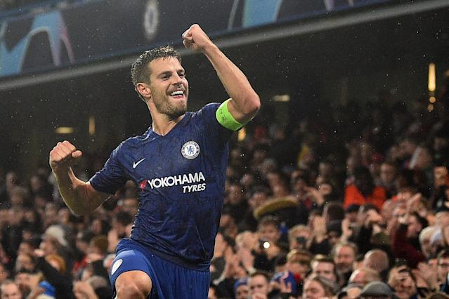 Azpilicueta celebrates after scoring Chelsea's second agains Lille (Photo by GLYN KIRK/AFP via Getty Images)