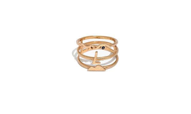"<p>Face Value Cage Ring, $24, <a href=""https://www.madewell.com/gift_guide/giftwellguide/shop25andunder/PRDOVR~H4704/H4704.jsp?color_name=gold-ox"" rel=""nofollow noopener"" target=""_blank"" data-ylk=""slk:madewell.com"" class=""link rapid-noclick-resp"">madewell.com</a> </p>"