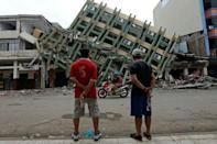 New aftershocks jolt Ecuador still reeling from quake