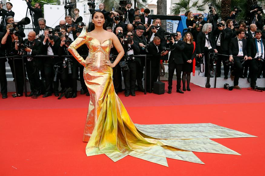 Aishwarya Rai Bachchan poses for the cameras at the 72nd international film festival in Cannes, France. (Image: Reuters)
