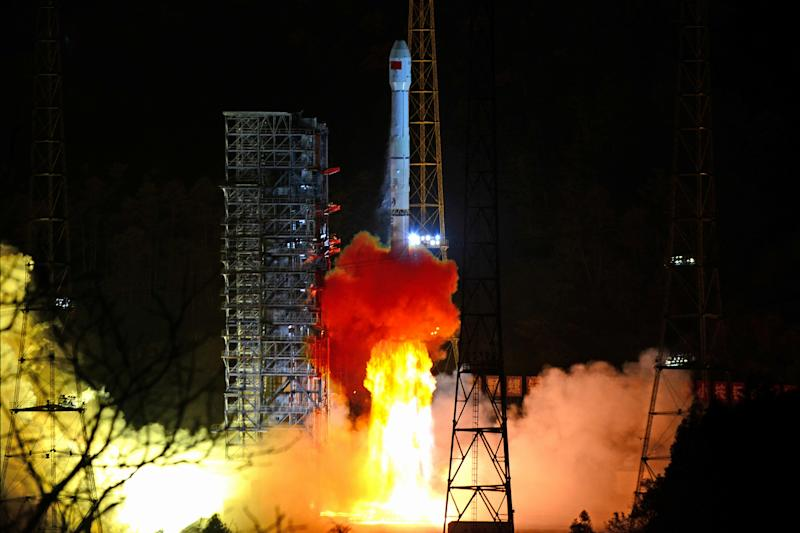 Chang'e 4 spacecraft lands on far side of the Moon in world first for China