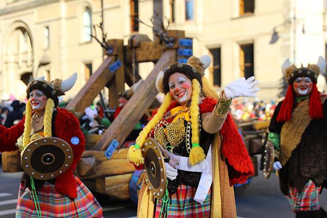 <p>A Viking Clown is smiles while entertaining the crowds along the parade route in the 91st Macy'€™s Thanksgiving Day Parade in New York, Nov. 23, 2017. (Photo: Gordon Donovan/Yahoo News) </p>