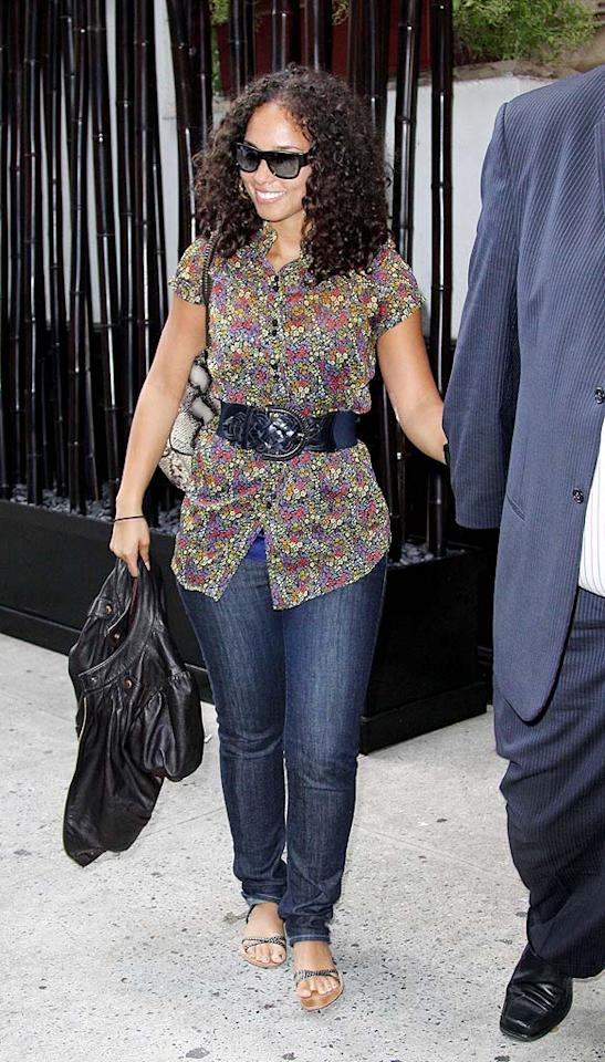 """Another music superstar, Alicia Keys, reportedly joined the ladies for lunch. Wish we would've been invited! <a href=""""http://www.infdaily.com"""" target=""""new"""">INFDaily.com</a> - August 10, 2009"""