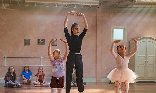 """<p>April believes she's bound for Broadway, but when she blows a big audition, she's back to preparing a hometown kids' dance squad for competition. This one's for anyone who loves underdogs or dance movies.</p><p><a class=""""link rapid-noclick-resp"""" href=""""https://www.netflix.com/watch/80994878"""" rel=""""nofollow noopener"""" target=""""_blank"""" data-ylk=""""slk:STREAM NOW"""">STREAM NOW</a></p>"""