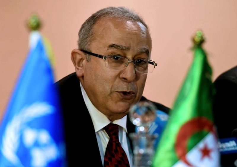 Algerian Foreign Minister Ramtane Lamamra at the signing of a peace agreement between the Malian government and armed groups in the north of Mali, on February 19, 2015 in Algiers (AFP Photo/Farouk Batiche)